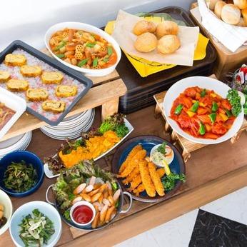 お客様に楽しい朝食のひとときをご提供するお仕事。一から丁寧に指導するので未経験の方でも安心です!
