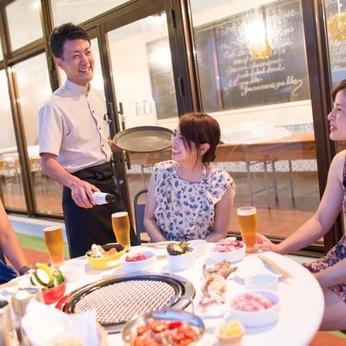 お客様に楽しいお食事のひとときをご提供するお仕事。レストラン接客と洗い場のお仕事等をお願いします。